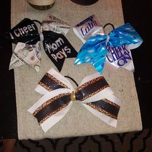 Other - Cheer bows lot